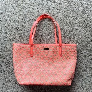 Kate Spade Bayside Park Tote Coral woven straw EUC